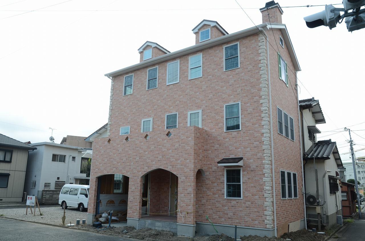 北九州市小倉北区にて、3階建ての家、完成見学会開催